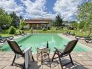 agriturismo-toscana-pisa-giardino-piscina