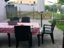 casa-garda-15pax-tavolo-giardino