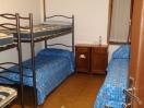 Camera 1 con 5 letti piano inferiore