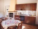 agriturismo-gualdo-tadino-appartamento-girasole-cucina