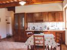agriturismo-gualdo-tadino-appartamento-margherita-cucina
