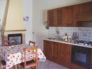 agriturismo-gualdo-tadino-appartamento-narciso-cucina