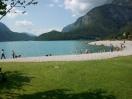La spiaggia del lago di Molveno
