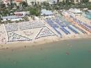 hotel-sanbenedettodeltronto-spiaggia-11