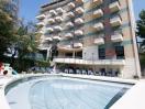 hotel-cattolica-con-piscina