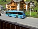 Fermata autobus di linea difronte al residence