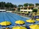 villaggio-rosolina-piscina