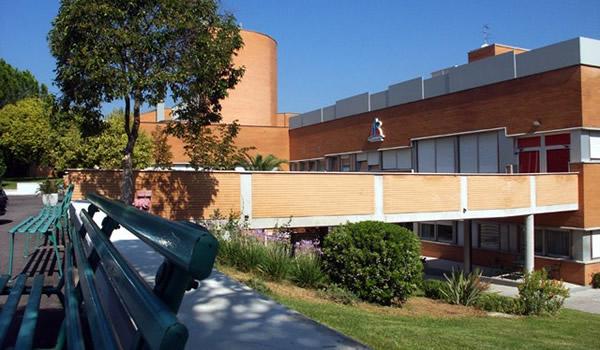 Casa e centro congressi a Roma rif. 201