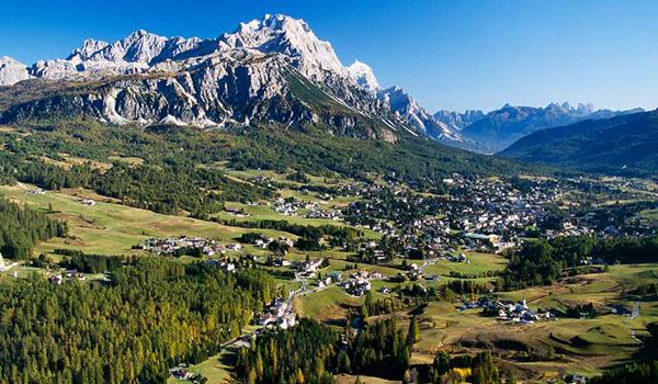 Hotel sulle piste a Cortina Rif. 486
