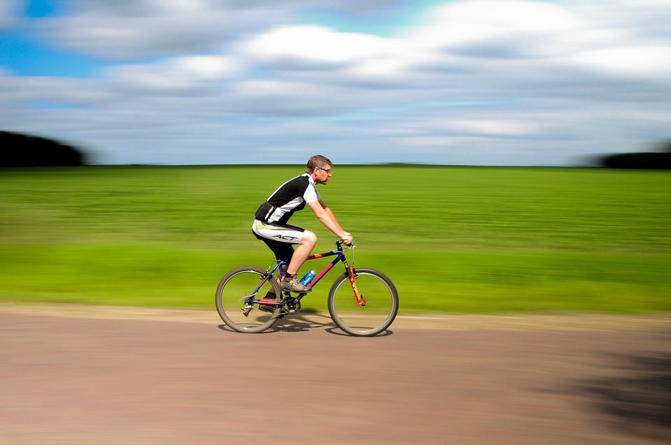 E-Bike: pedalare in montagna senza fatica.