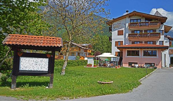 Hotel a Pinzolo con centro benessere rif. 1073