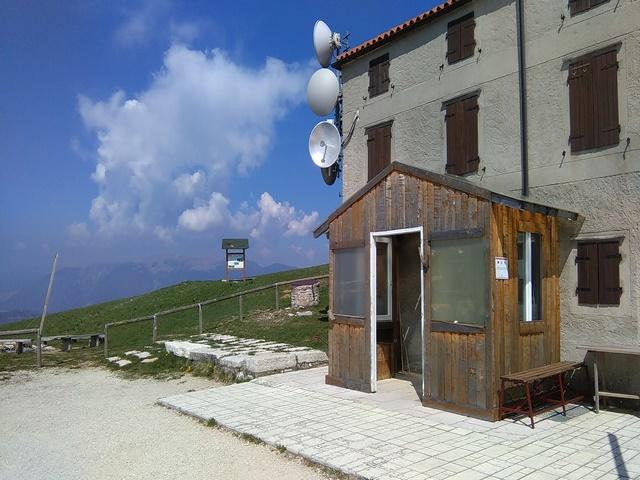 Casa per gruppi sul Monte Grappa (VI) rif 1002
