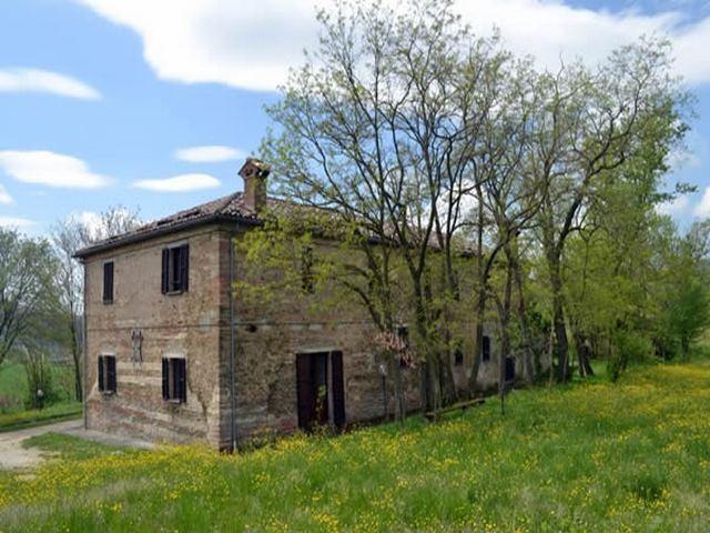 Casolare in Umbria tra Gubbio e Assisi rif.431