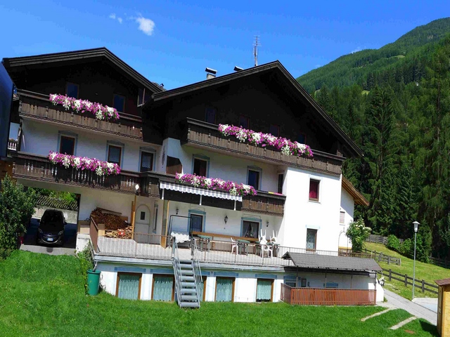 Hotel in autogestione in Valle Aurina rif 026