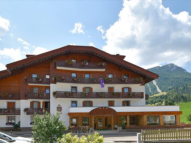 Hotel 3 stelle a Moena Val di Fassa rif. 1075