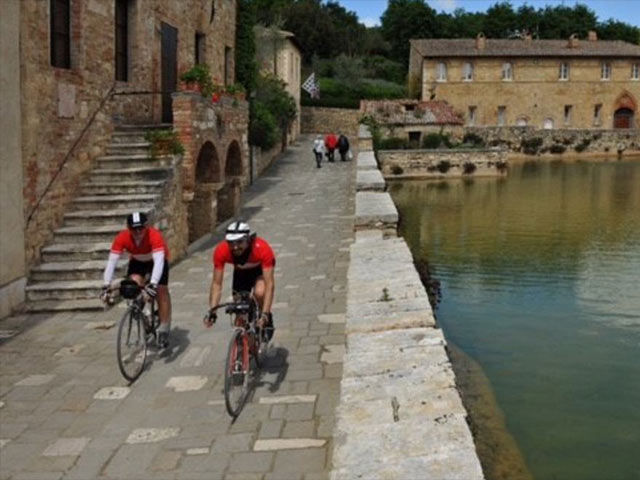 Bici e trekking in Val d'Orcia – Toscana