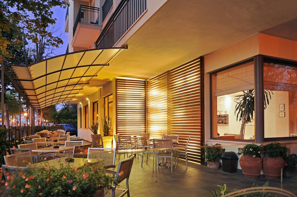 Hotel *** a Cesenatico rif 1150
