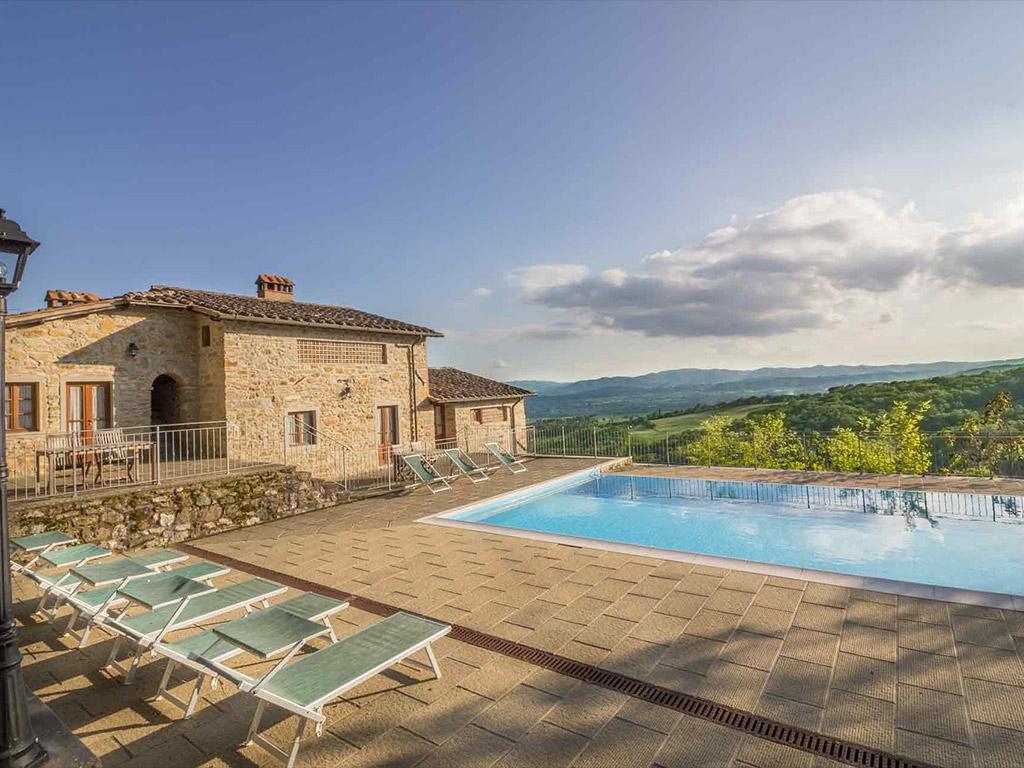 Casale in Toscana da 30 posti in offerta 22/29 Agosto 2020