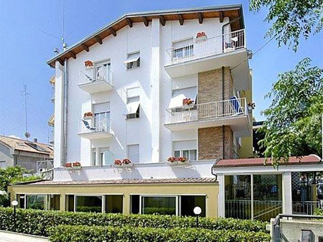Hotel sul mare a Fano ** rif 1172