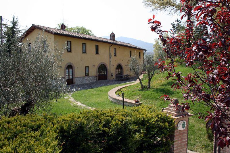Appartamenti con piscina ad Umbertide rif 1182