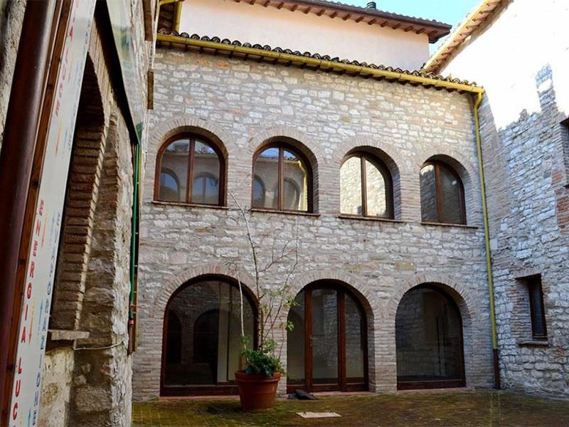 Ostello in Umbria nel parco del Monte Cucco rif. 1211