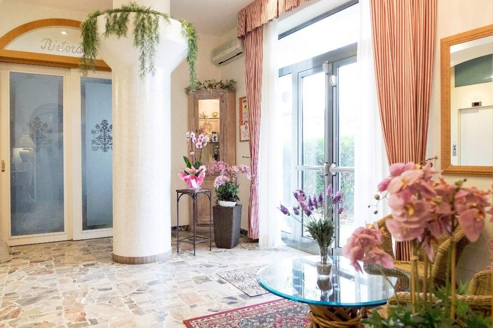 Hotel in autogestione a Rimini rif 808