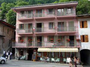 Hotel ai piedi del Monviso (CN) rif 209